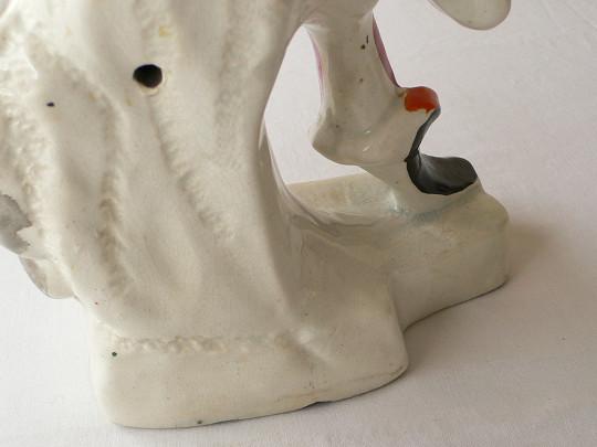 ヴィクトリアン時代のスタフォードシャーの陶器の置物