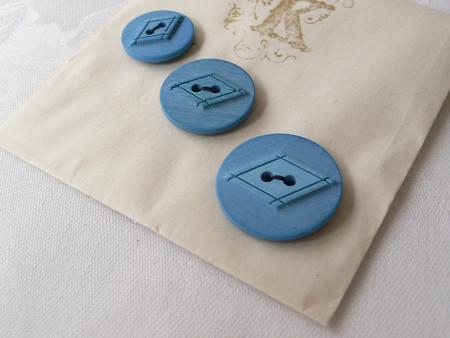 水色プラスティックボタンシート gs-293