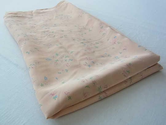 優しいピンクの小花柄のファブリック1930−40年代 W78×50� gf-161
