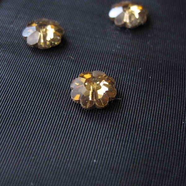 ヴィンテージスワロフスキービーズ ブラウン花形 直径1cm gs-854