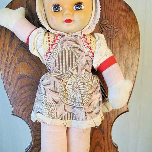 イングランドで出会ったラバーフェイスのお目目パッチリな女のこ gt-553