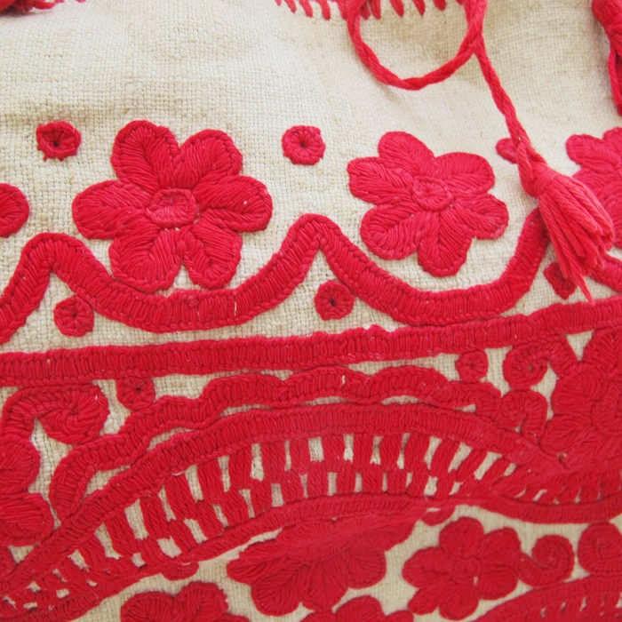 トランシルバニアのイラーショシュ刺繍のピロケース 55×43cm ge-512