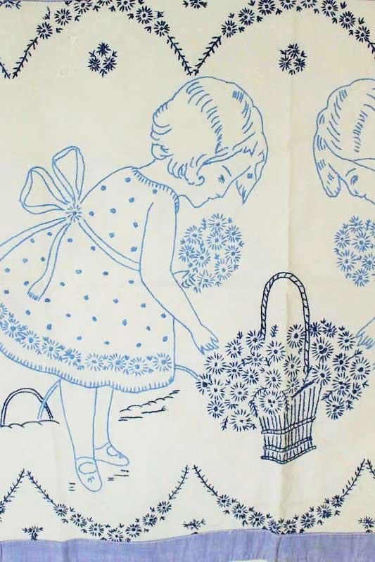 ハンガリー刺繍のタペストリー 水色のワンピースのふたりの少女 e-560