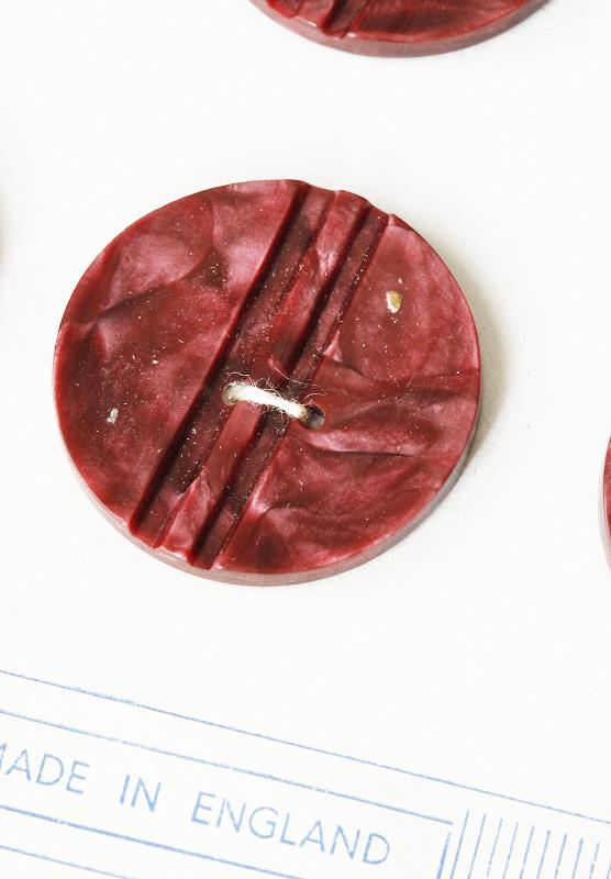ヴィンテージ パープルのマーブル模様のプラスティックボタン2.8cm gs-1053