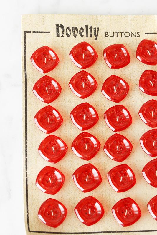 赤のプラスティックボタン1.5� 4個セット gs-1056