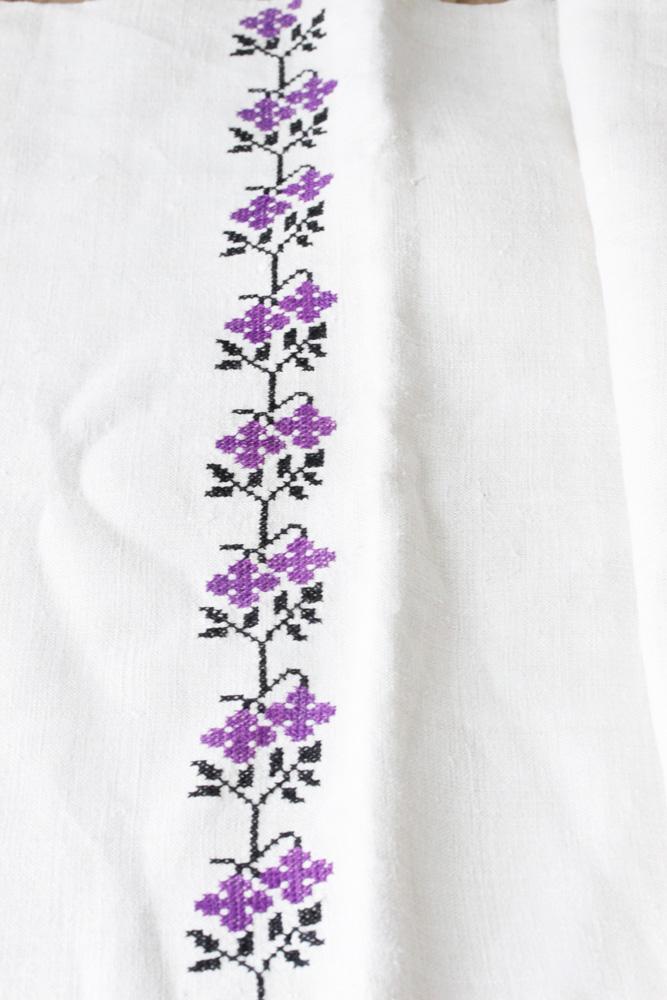 アンティークハンガリーリネンのお花とFEモノグラムクロスステッチのリネン 49.5×96cm ge-658