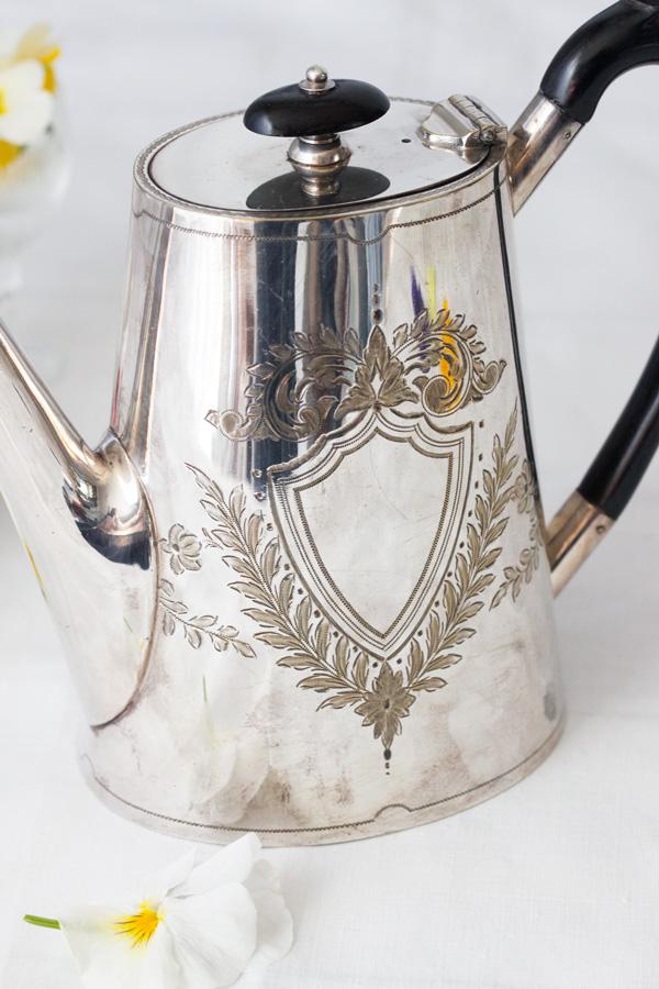 ヴィクトリアンのシルバープレートコーヒーポット 1890年代頃 gc-633