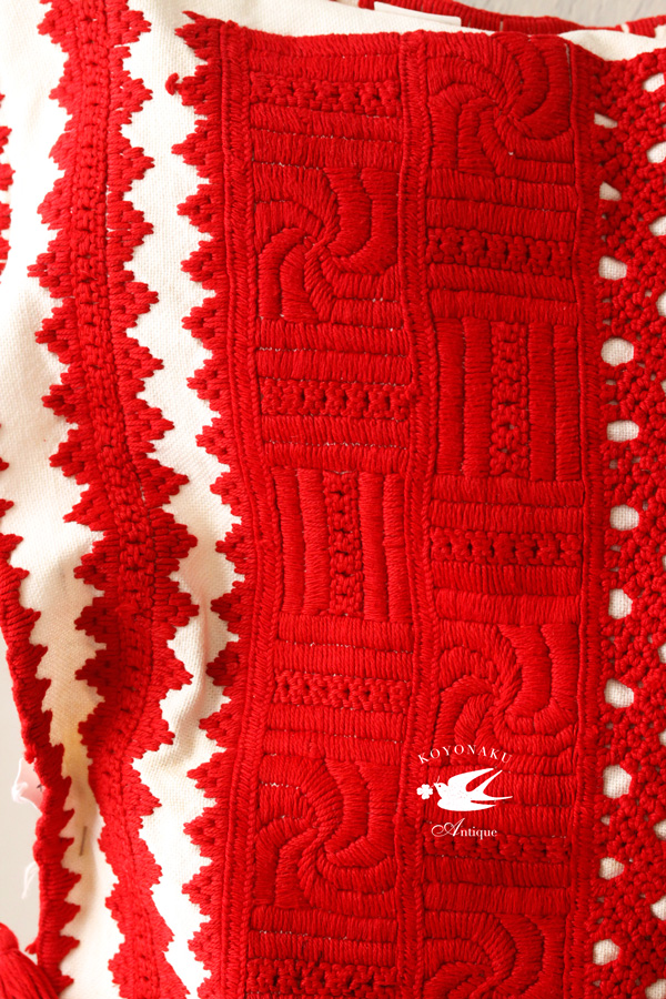 旧ハンガリーのトランシルバニアのイラーショシュ刺繍のクッション ge-695