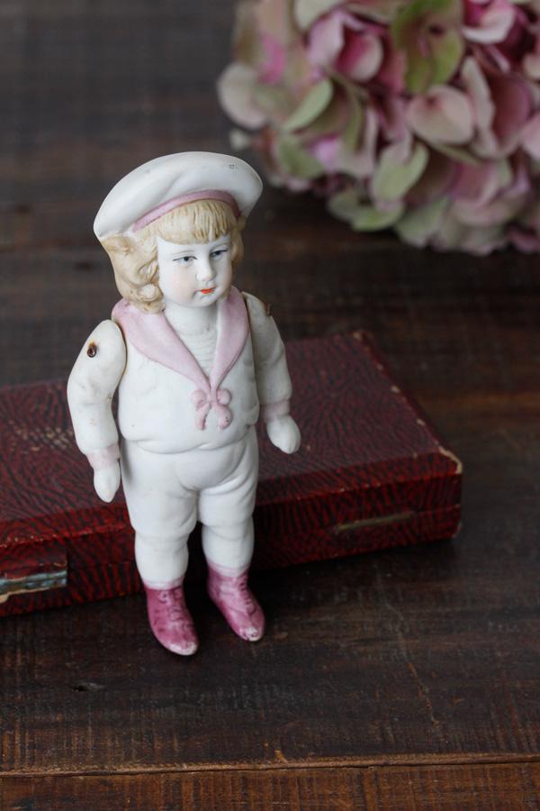 アンティークビスクドール ピンクのセーラーカラー 14.2cm gt-684