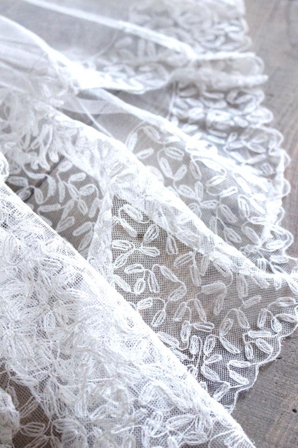 ヴィンテージチュールにマシーン刺繍のウエディングレース215×205cm gla-0855