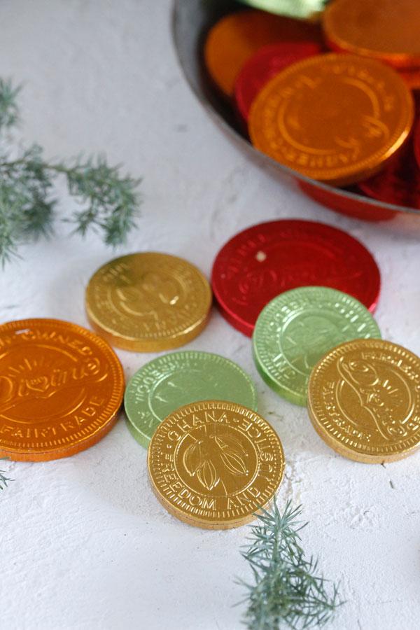 お買い物でお金持ちになろう*3,240円以上お買い上げでイギリスコインチョコレートプレゼント!!