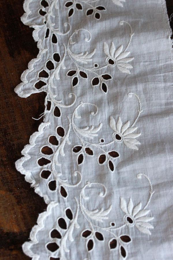 アンティークカットワーク刺繍お花のコットントリム245×14cm gla-0870