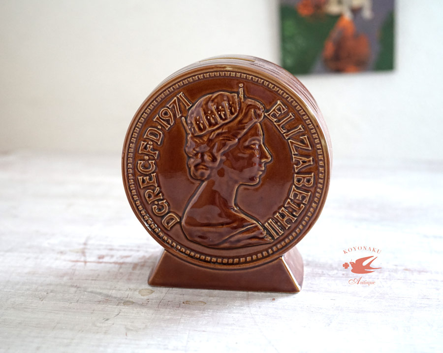 エリザベス女王1971年2ペンス硬貨発行記念貯金箱 gk-497