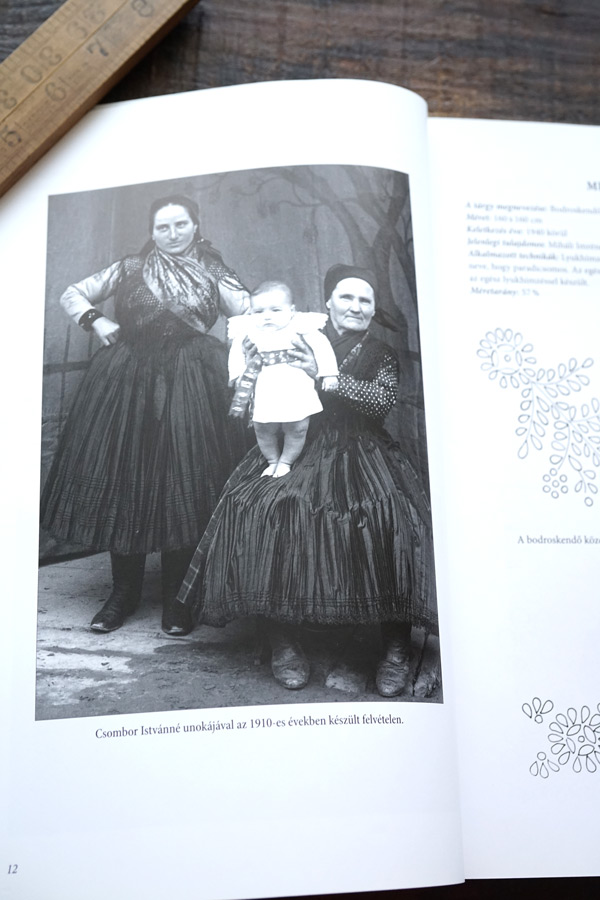 ハンガリーサダ村のホワイトワークの本Feherhimzesek Szadan gh-215