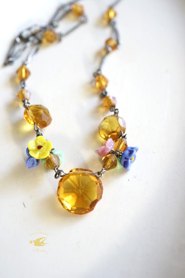 アンティーク琥珀色のガラスストーンとお花のネックレス38cm ga-806