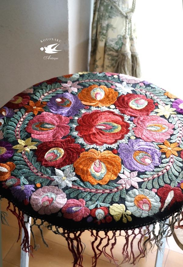 ハンガリーマチョ刺繍のテーブル掛け80×80cm 1930年代頃 ge-780