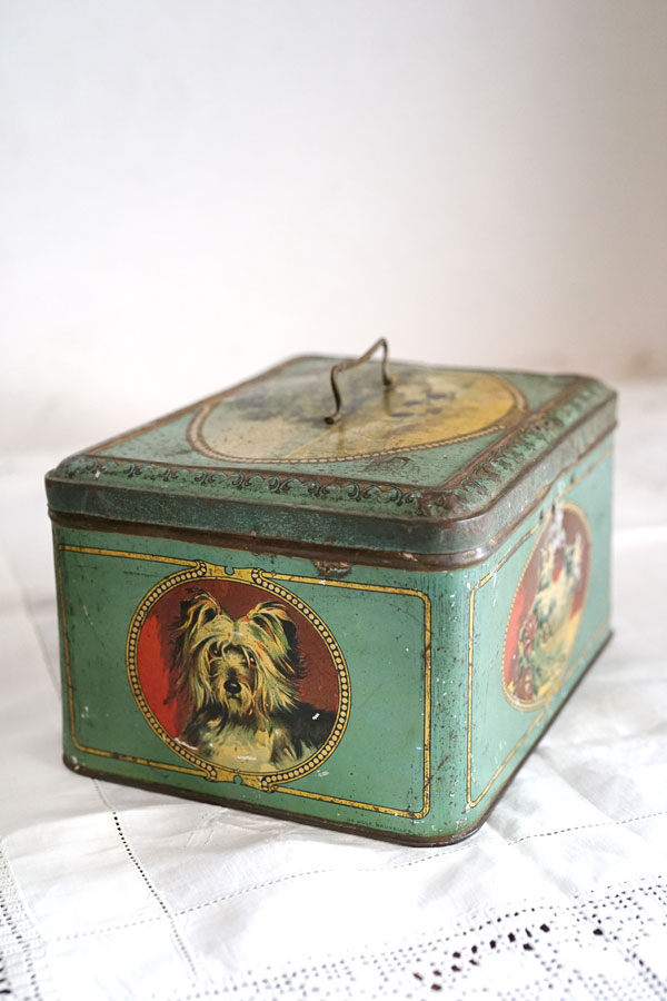 アンティークベルギーのチョコレートティン缶23×17×12cm gk-501
