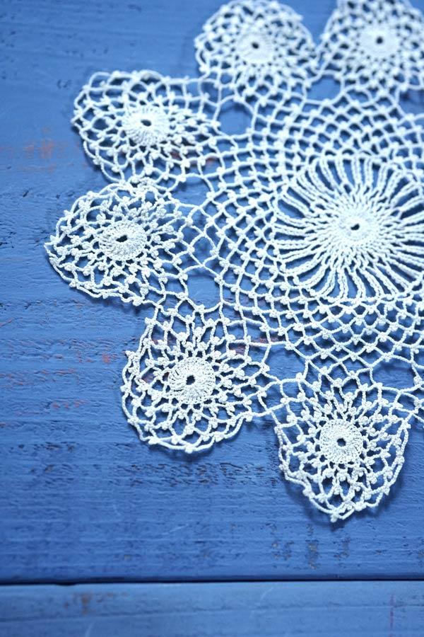 ハンガリー極細糸の生成り色クロッシュレースのドイリー直径13.5cm gla-1081