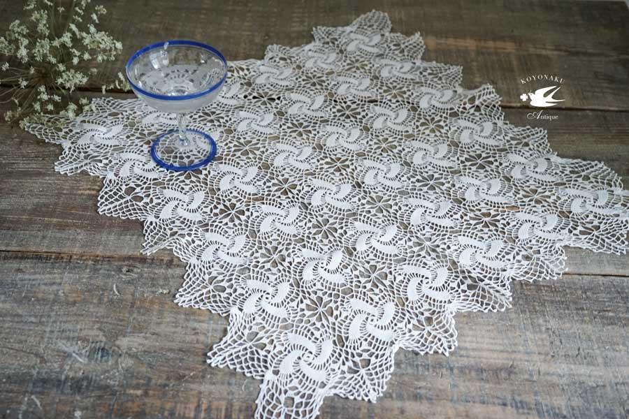 繊細なハンガリー極細糸のクロッシュレースモチーフクロス54×54cm gla-1088