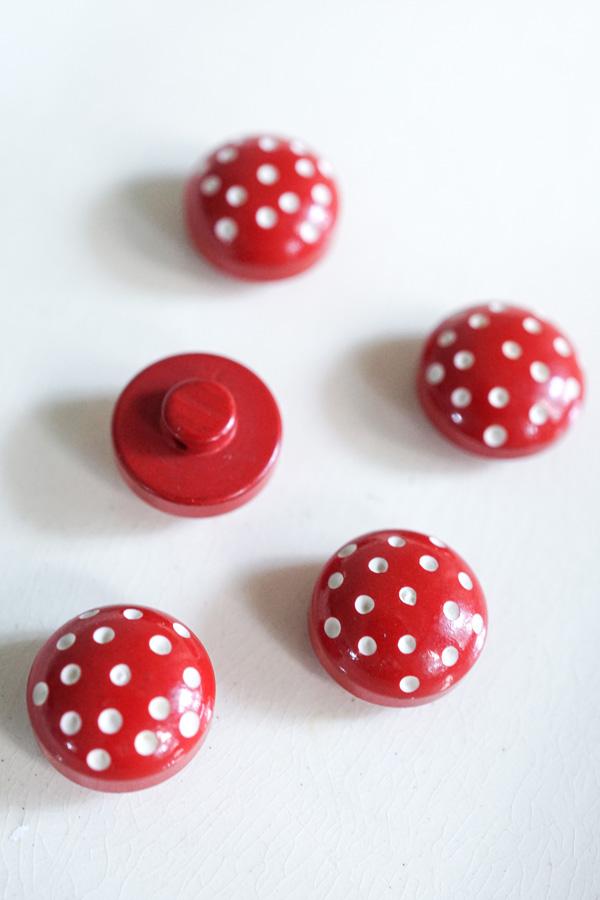 ヴィンテージ赤のドットボタン12mm gs-1290