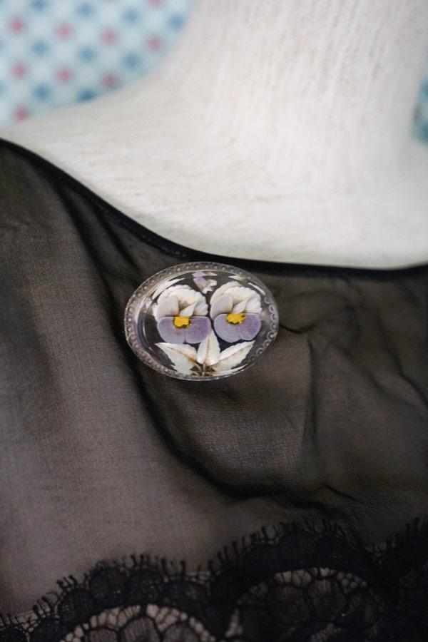 ヴィンテージパンジーの氷柱花のようなルーサイトブローチ 5×3.7×1cm 1940年代 ga-864