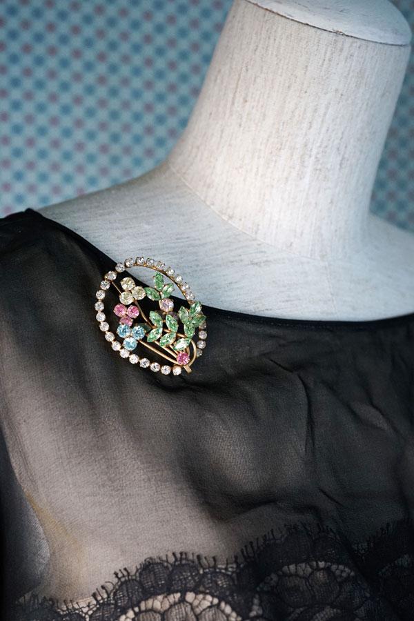 ヴィンテージマルチカラーのガラスストーンお花のブローチ1950年代 H5.2cm ga-870