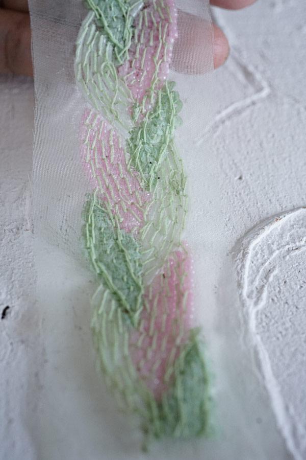 ヴィンテージガラスビーズとスパンコールの刺繍トリム4.5×50cm gs-1298