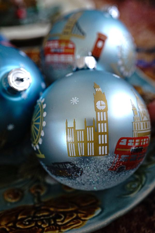 リバティクリスマスオーナメントボールLondonのクリスマス W8cmgx-458